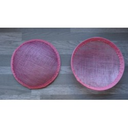 Base ronde bombée en sisal rose clair pour chapeau ou bibi