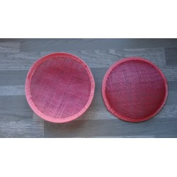Base ronde bombée en sisal rose pour chapeau ou bibi