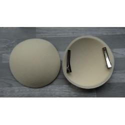 Support rond bombé cartonné en feutrine écru (pince non fournie)