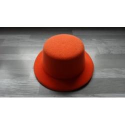 Mini chapeau style haut de forme de couleur orange