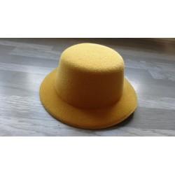Mini chapeau style haut de forme de couleur ocre